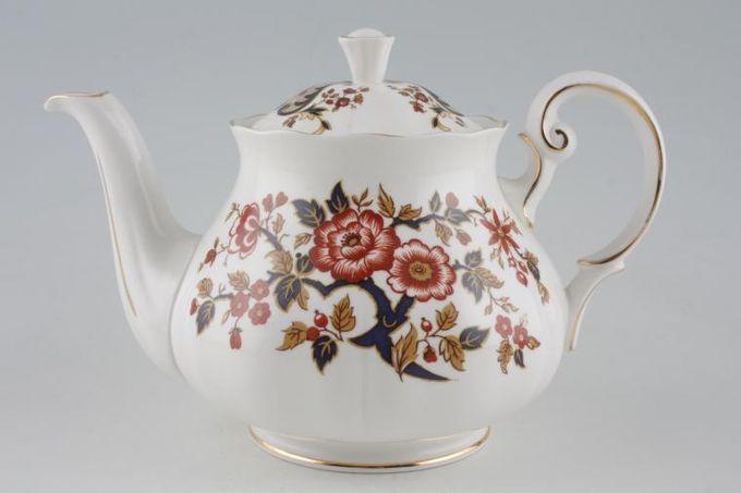 Colclough Royale - 8525 Teapot Fluted sides 1 1/2pt