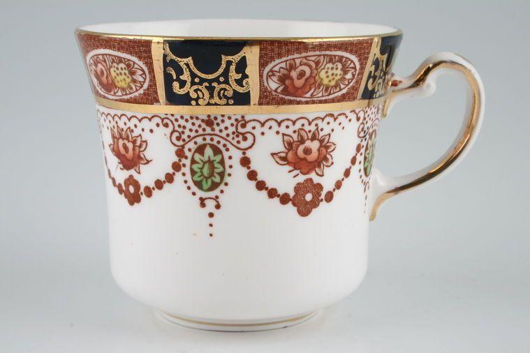 Colclough - Amari - 6699 - Teacup - Pattern to Top of Rim