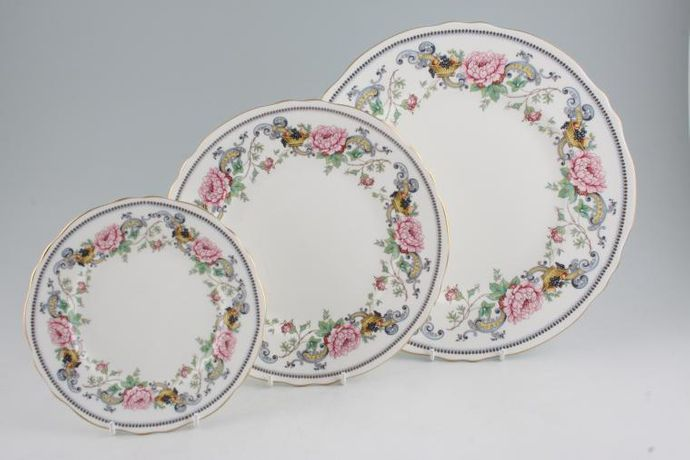 Crown Staffordshire Chelsea Manor