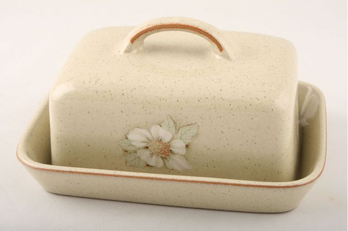 Denby Daybreak Butter Dish + Lid Handle On Lid - rounded corners.
