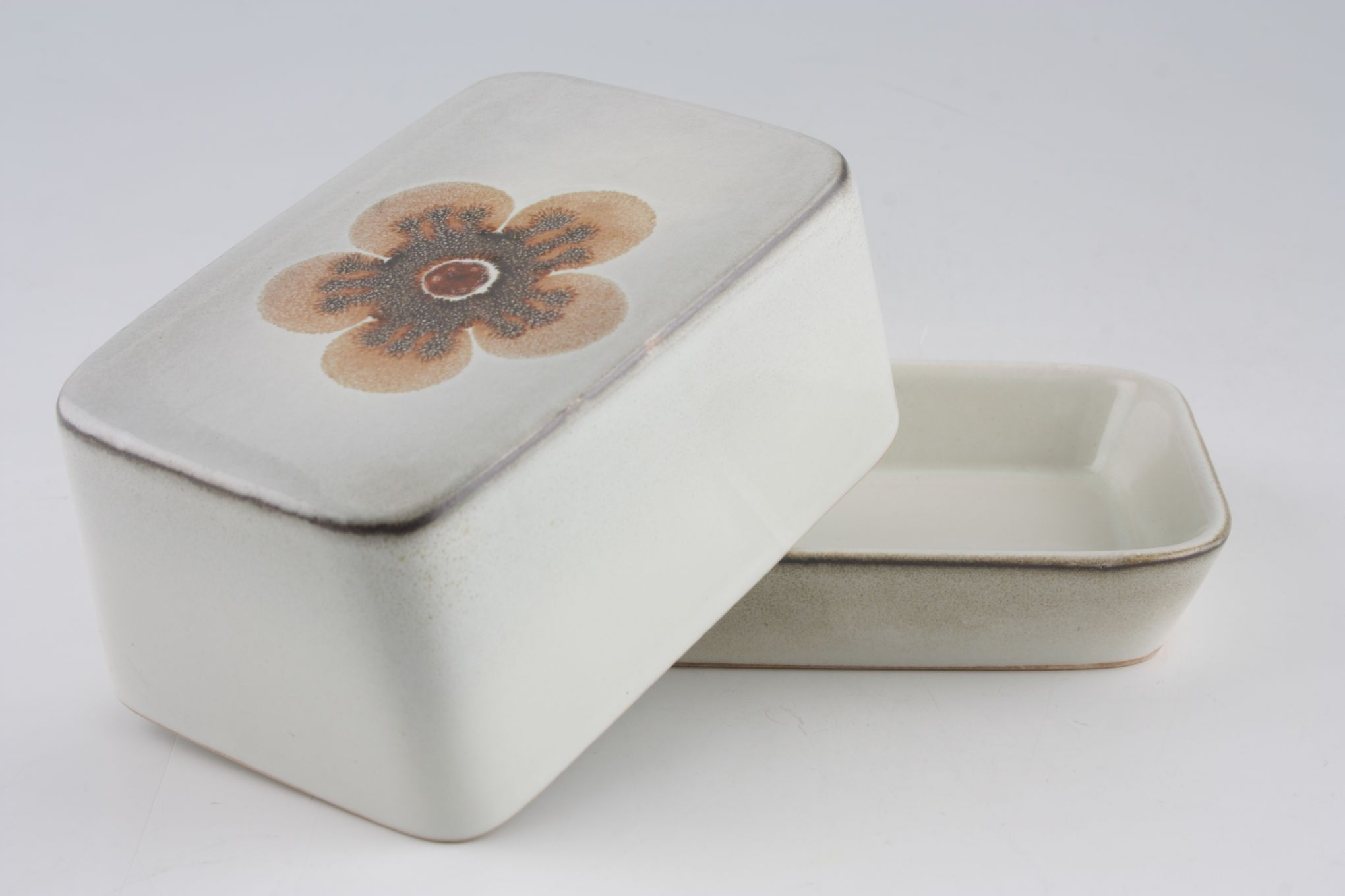 Denby Westbury Butter Dish + Lid covered thumb 2