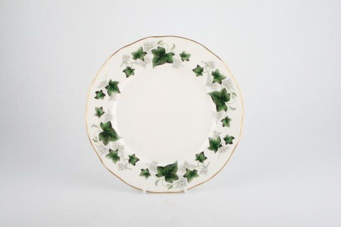 "Duchess Ivy Tea / Side Plate 6 1/2"""