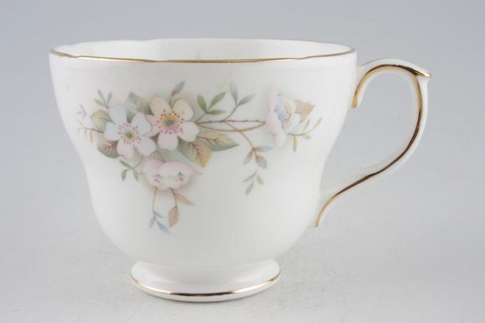 "Duchess Lansbury Breakfast Cup 4 x 3 1/8"""