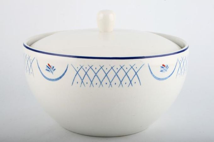 Habitat Barton Vegetable Tureen with Lid 8 x 4""