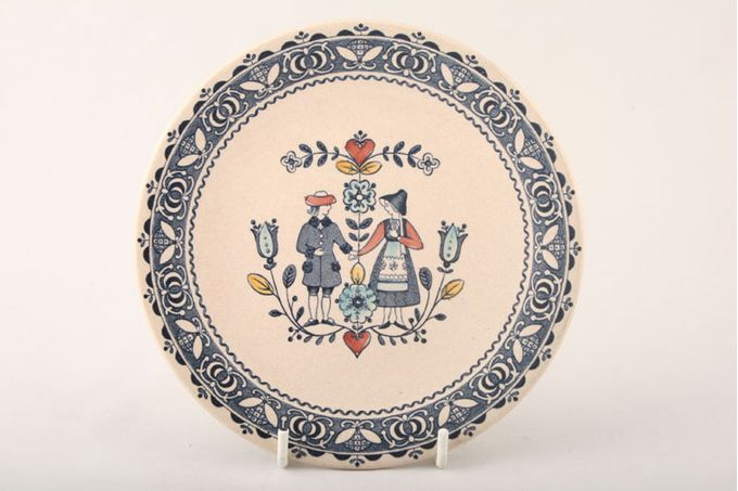 Johnson Brothers Hearts and Flowers Breakfast / Salad / Luncheon Plate 8 3/4""