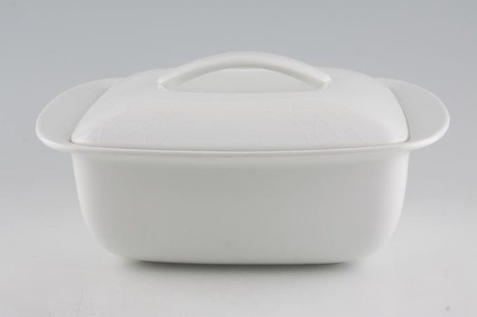 Jamie Oliver for Churchill White on White - Queens Vegetable Tureen with Lid Easy Pleaser 4pt