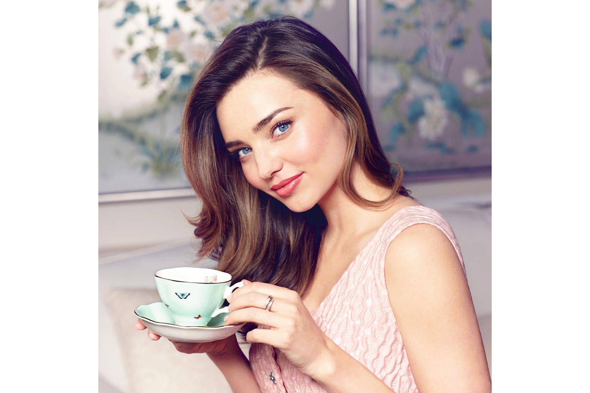 Miranda Kerr for Royal Albert Blessings 3 Piece Set Teacup, Saucer, Plate 20cm Blessings thumb 4
