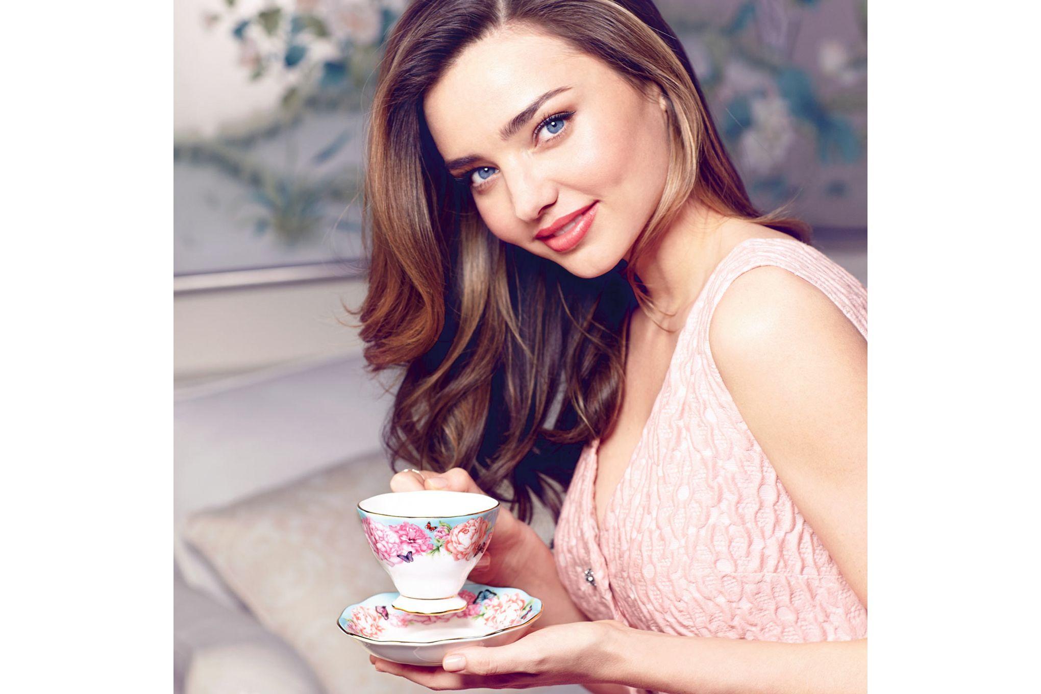 Miranda Kerr for Royal Albert Devotion 3 Piece Set Teacup, Saucer, Plate 20cm Devotion thumb 4