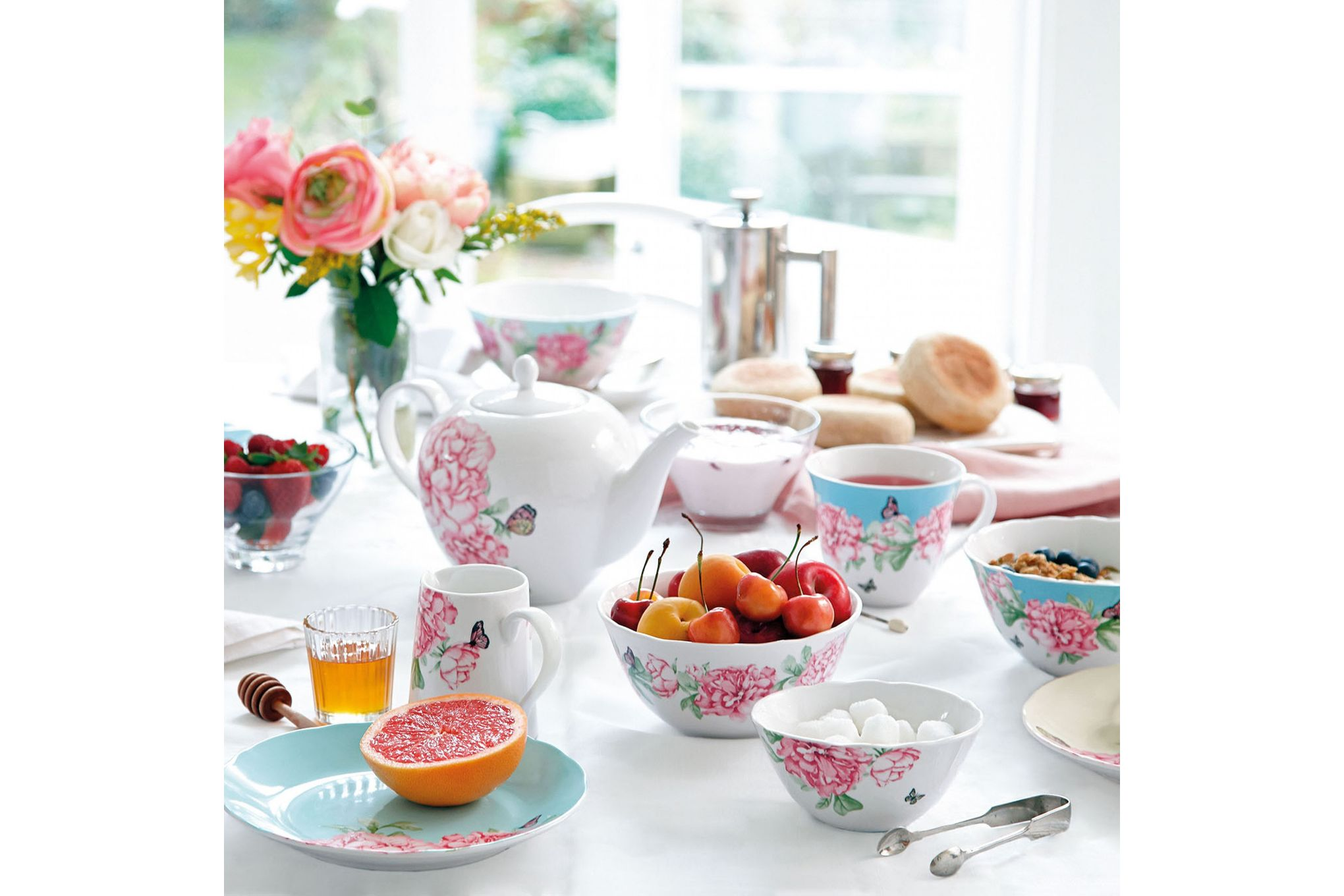 Miranda Kerr for Royal Albert Everyday Friendship 15 Piece Set Mixed Colours - 4 x Plate 20cm, Teacup & Saucers, Teapot, Sugar & Cream thumb 3