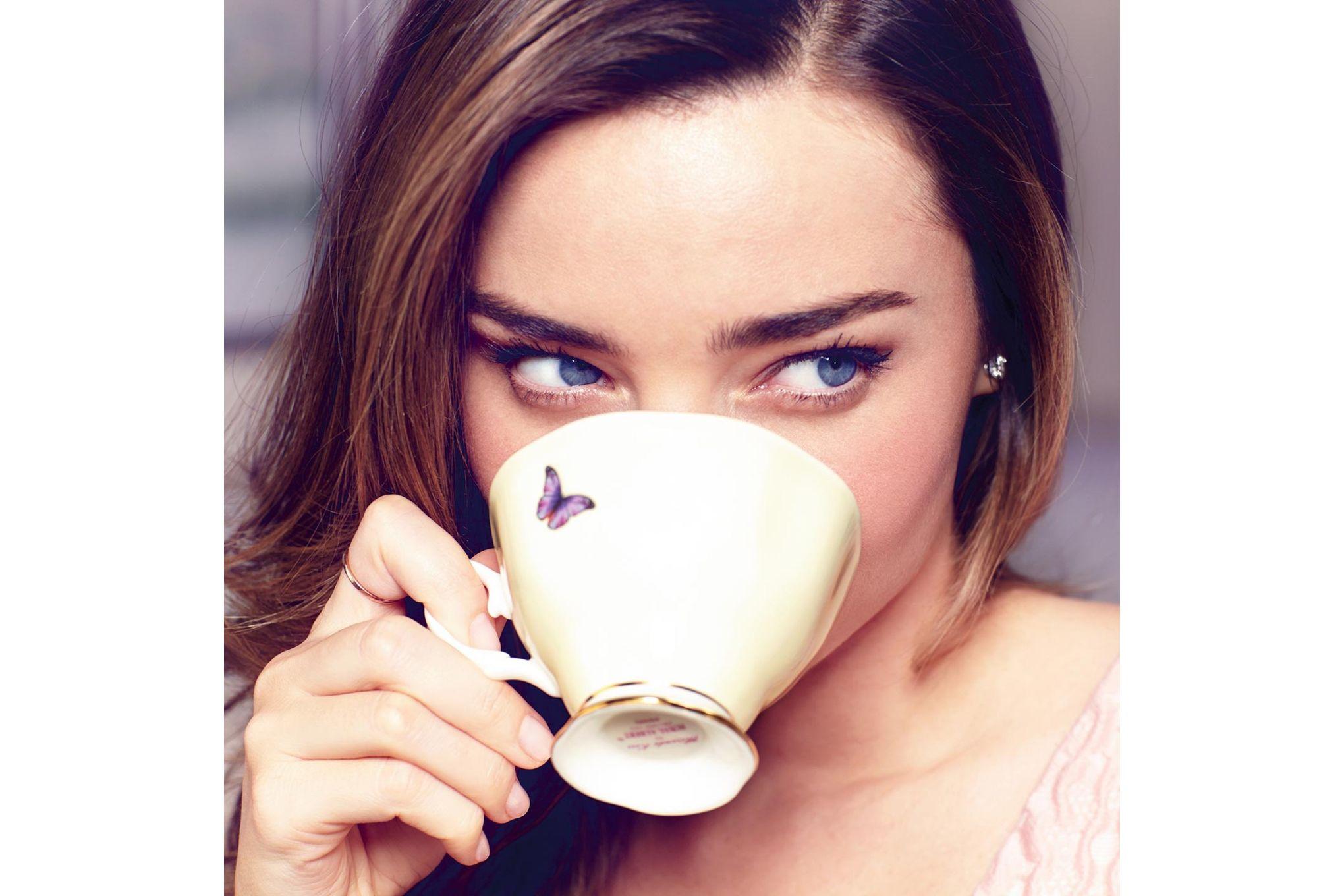Miranda Kerr for Royal Albert Joy 3 Piece Set Teacup, Saucer, Plate 20cm Joy thumb 4