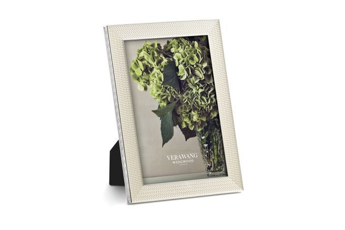 """Vera Wang for Wedgwood With Love Nouveau Photo Frame Pearl 4 x 6"""""""