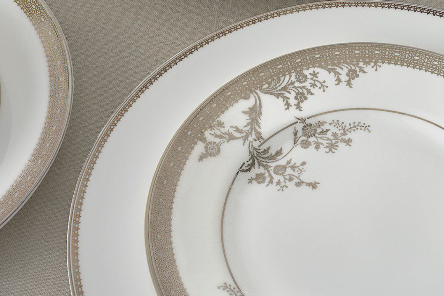 Vera Wang for Wedgwood Lace Gold Dinner Plate 27cm thumb 2