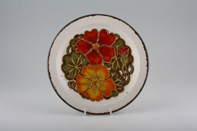 "Midwinter Nasturtium Dessert / Salad Plate Two flowers in centre 8"""