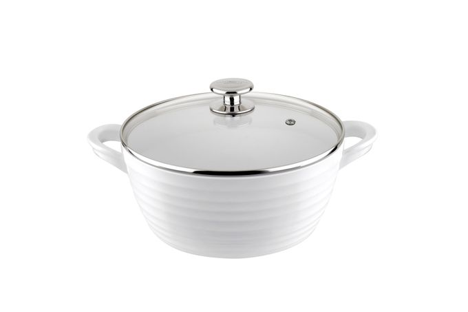 Sophie Conran for Portmeirion Cookware Casserole Dish + Lid Large - White. Metal body with ceramic coating.