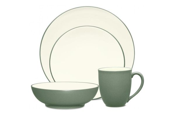 Noritake Colorwave Green 4 Piece Set COUPE