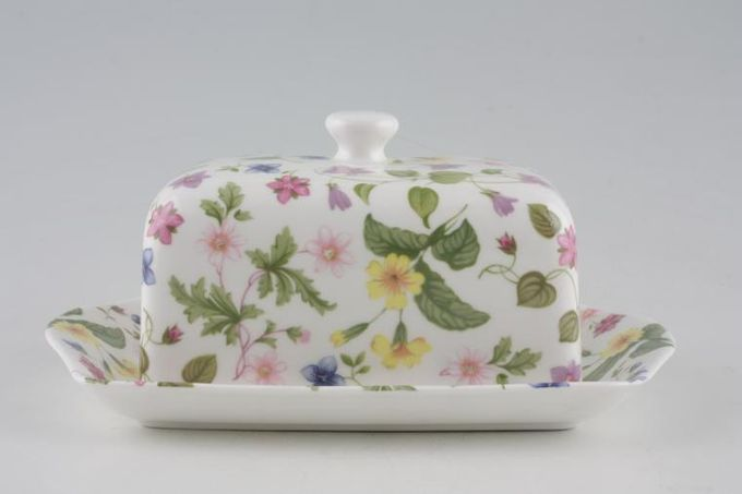 Queens Country Meadow Butter Dish + Lid Smooth