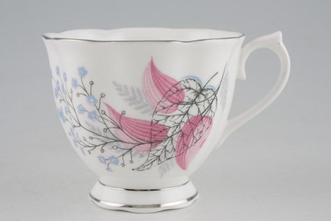"Royal Albert Fancy Free Teacup Wavy Edge 3 1/4 x 2 3/4"""