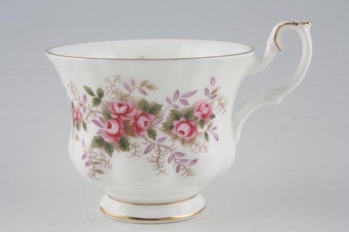 "Royal Albert Lavender Rose Teacup 3 1/2 x 2 3/4"""