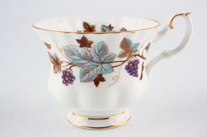 "Royal Albert Lorraine Teacup 3 1/2 x 2 3/4"""