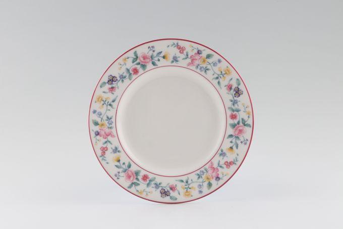 "Royal Albert Marguerite Tea / Side Plate 6 1/2"""