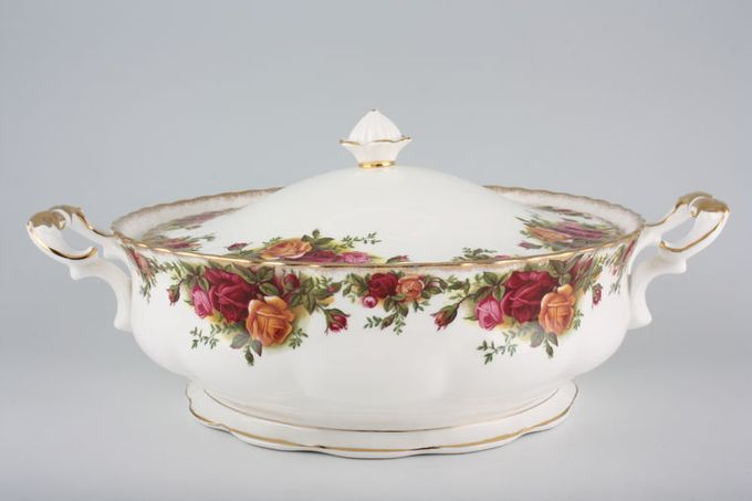 Royal Albert Old Country Roses - Made in England Vegetable Tureen with Lid