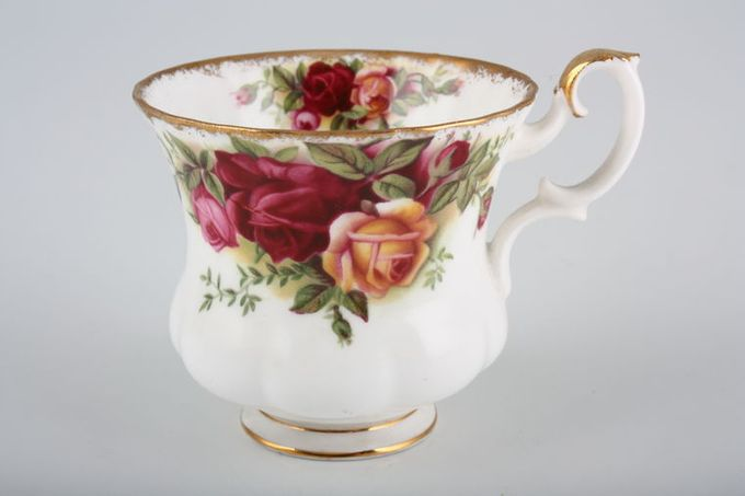 Royal Albert Old Country Roses - Made in England Coffee Cup 2 7/8 x 2 5/8""