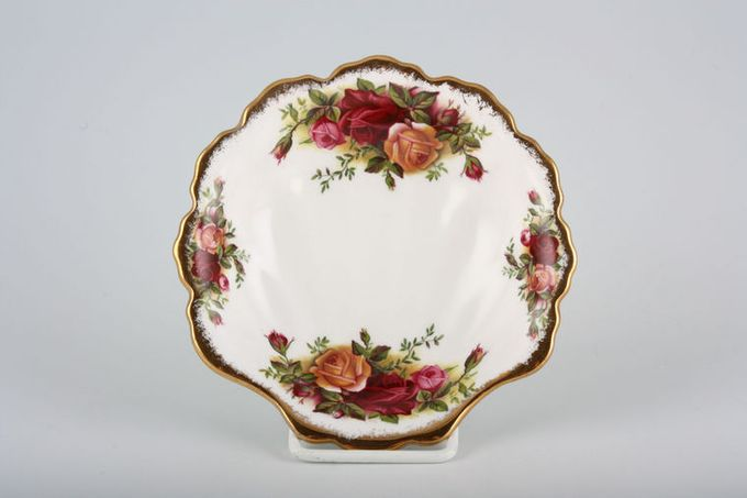 Royal Albert Old Country Roses - Made in England Dish (Giftware) Shell dish 5""