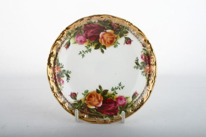 """Royal Albert Old Country Roses - Made in England Dish (Giftware) Thick Gold Rim / Round 4 3/4"""""""