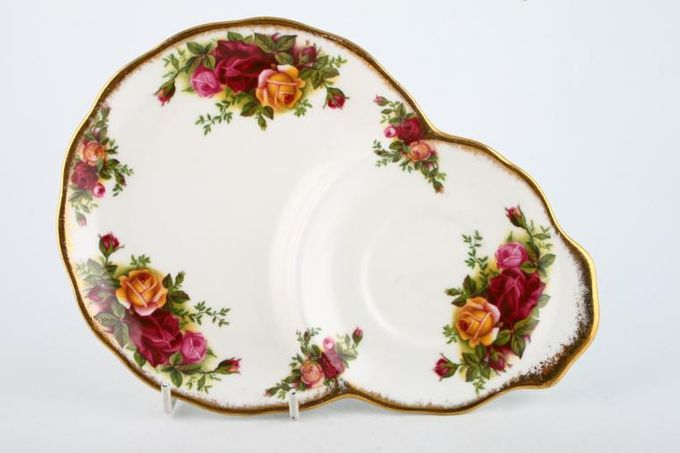 Royal Albert Old Country Roses - Made in England TV Tray Pear Shaped 8 3/4""