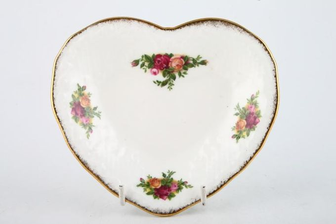Royal Albert Old Country Roses - Made in England Dish (Giftware) Heart Shaped Dish 5 1/2""