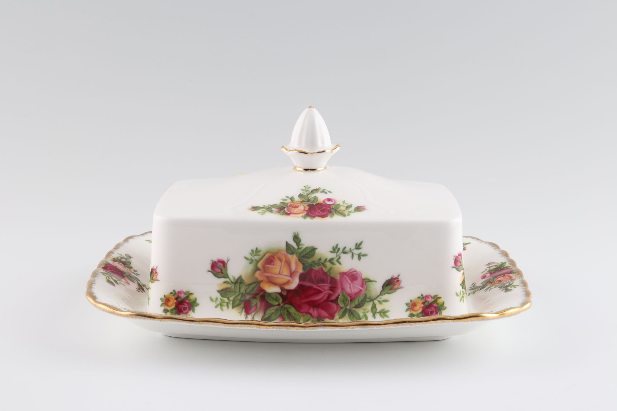 """Royal Albert Old Country Roses - Made in England Butter Dish + Lid 7 1/2 x 6"""" thumb 2"""