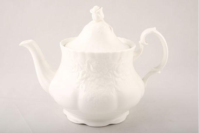 Royal Albert Old English Garden Teapot 2 1/4pt