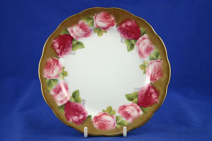Royal Albert Old English Rose - Old Style Dinner Plate