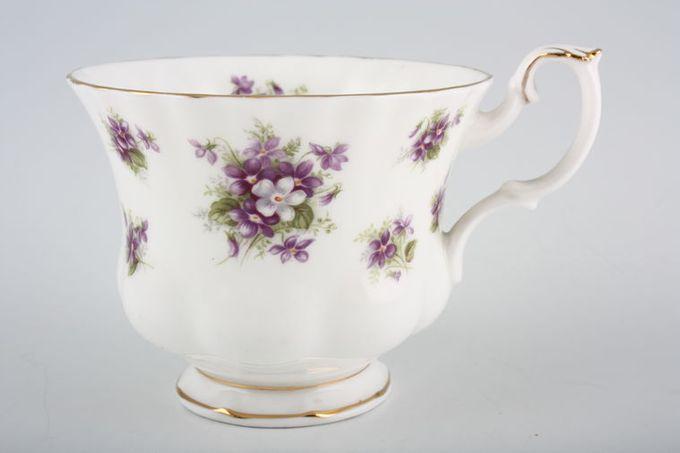 "Royal Albert Sweet Violets Teacup Montrose Shape 3 1/2 x 2 3/4"""