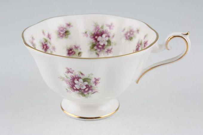 """Royal Albert Sweet Violets Teacup 3 3/4 x 2 1/4"""""""