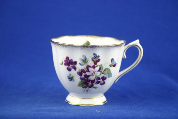 Royal Albert Violets For Love