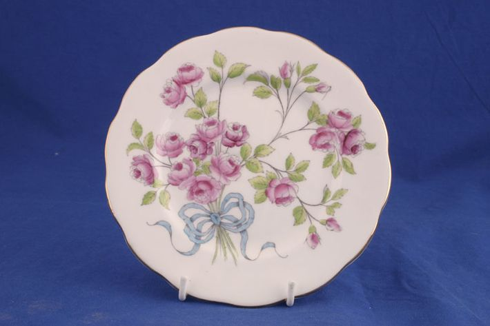 Royal Albert Flower of the Month Series - Hand Painted - Rose No.6