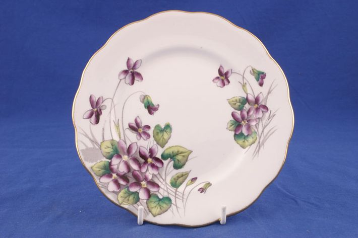Royal Albert Flower of the Month Series - Hand Painted - Violets No.2