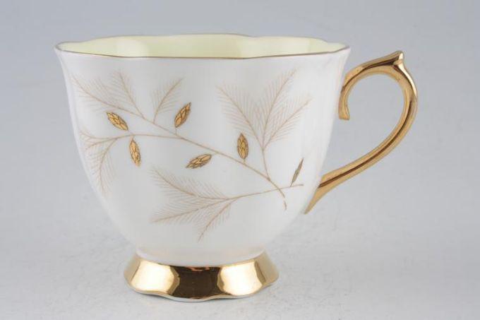 """Royal Albert Montrose Teacup 3 3/8 x 2 3/4"""""""