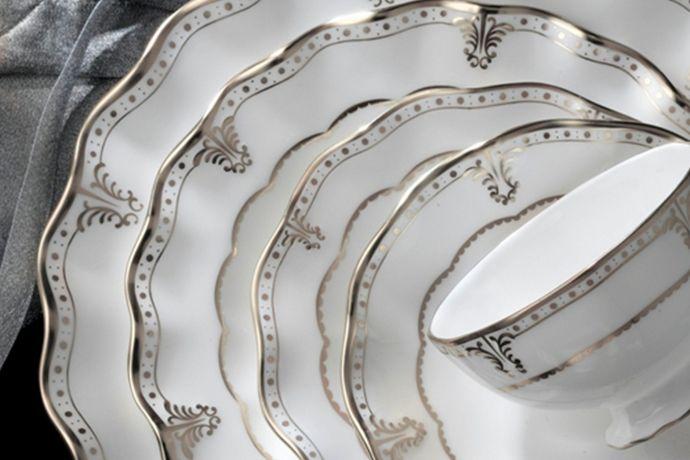 Royal Crown Derby Elizabeth Platinum