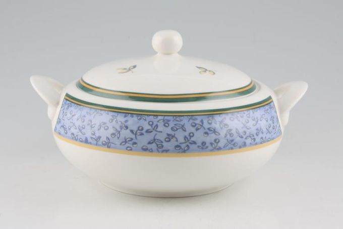Royal Doulton Hampshire - Expressions Vegetable Tureen with Lid
