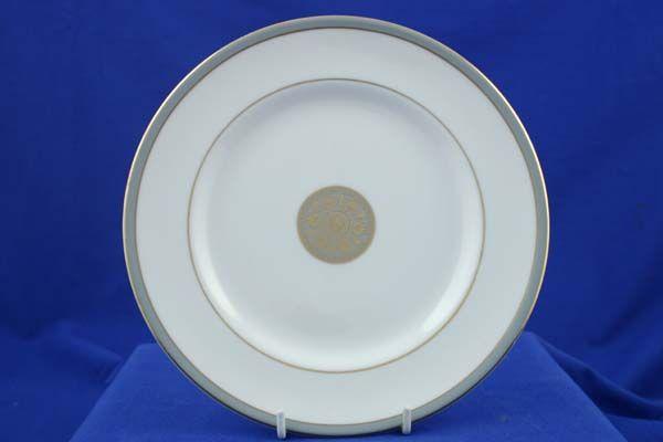 "Royal Doulton Oxford Grey - T.C.1190 Starter / Salad / Dessert Plate centre pattern 8"""