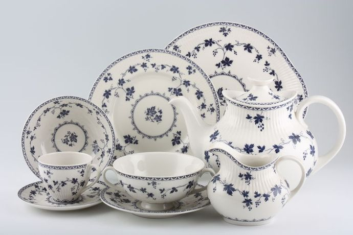 Royal Doulton Yorktown - Old Style - Ribbed