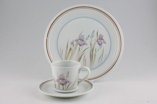 Royal Doulton Blue Iris - L.S.1046