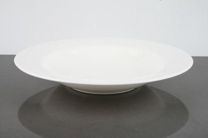 "Royal Doulton Signature White Rimmed Bowl St. Andrews Backstamp 9 1/4"""