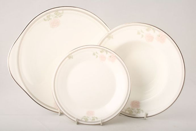 1x Royal Doulton Twilight Rose H.5096 Pattern Tea Cup and Saucer SECONDS