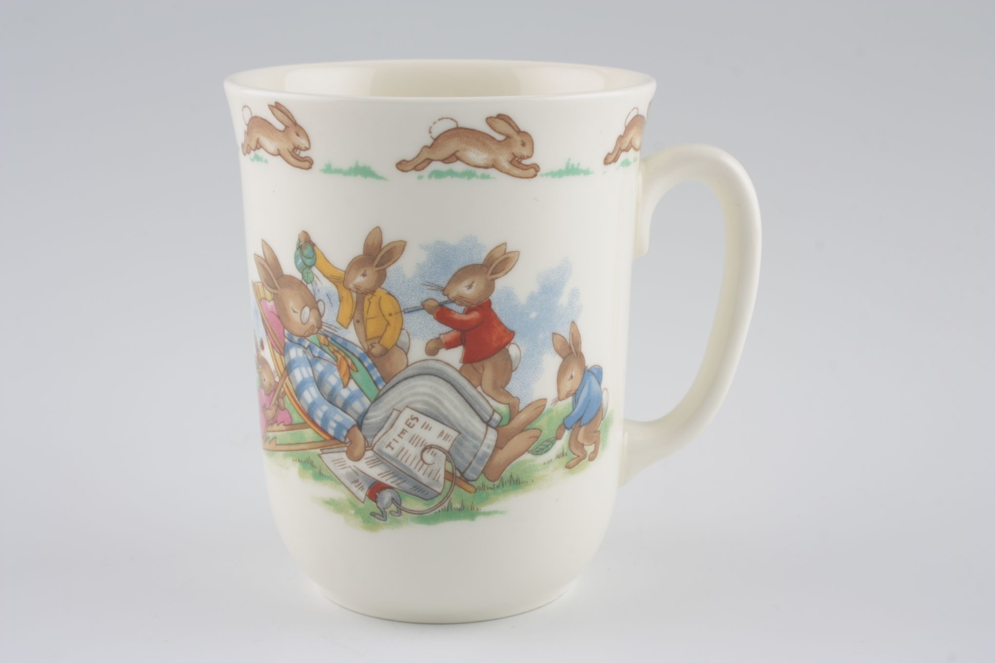 "Royal Doulton Bunnykins - 'Regd. Trade Mark' Mug Deckchair 3 x 3 5/8"" thumb 1"