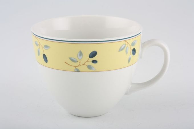 Royal Doulton Blueberry Breakfast Cup 3 3/4 x 3""