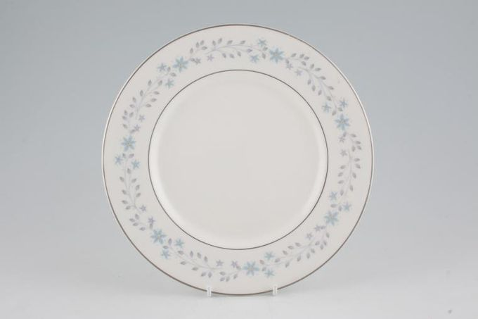 """Royal Doulton Chalet Breakfast / Salad / Luncheon Plate 9"""""""