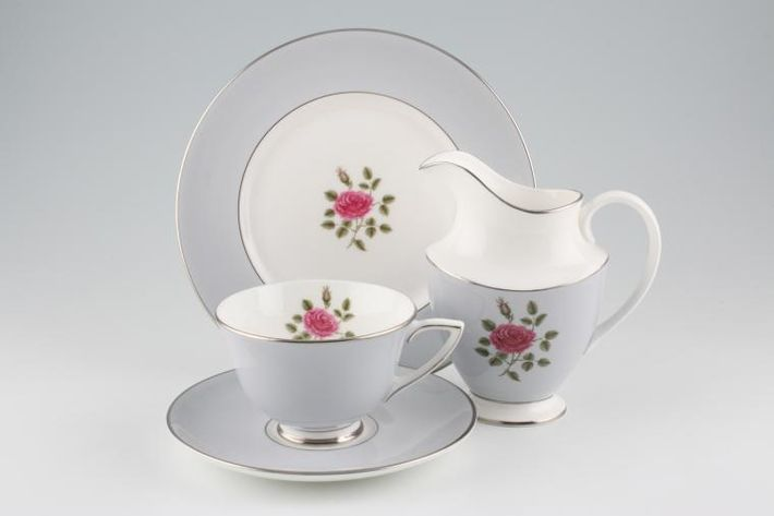 Royal Doulton Chateau Rose - H4940